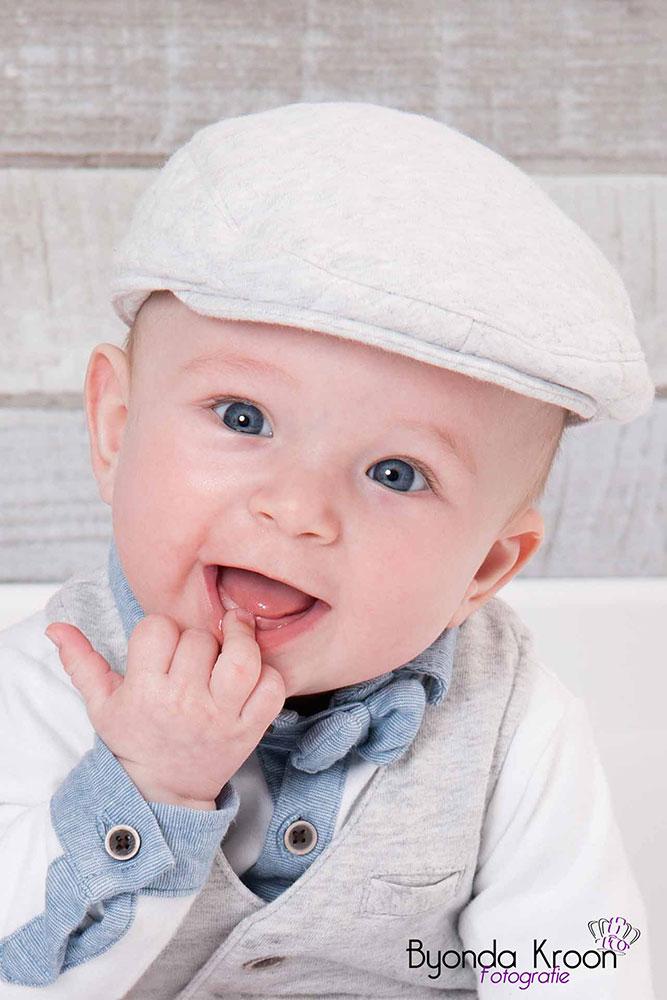 3.baby's-eerste-jaar-babyportret-babyfotografie-flatcap