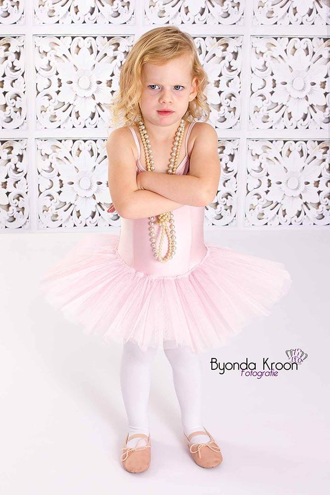 7.ballet-meisje-parelketting-tutu-roze-kinderportret