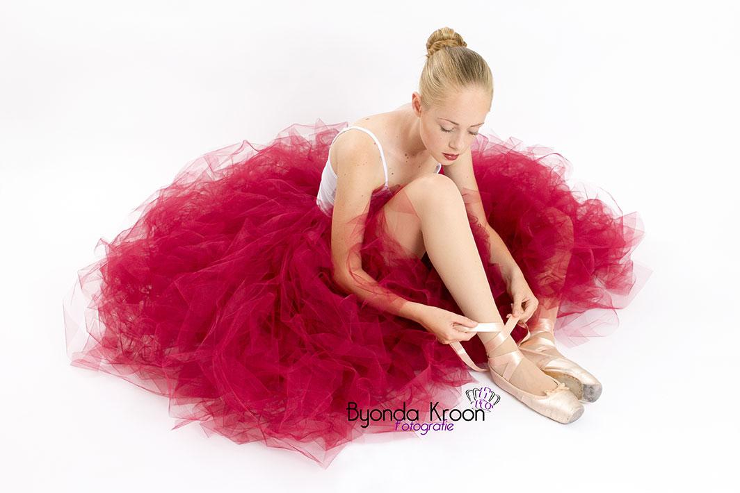 7.Ballet-vrouw-rode tutu-spitzen